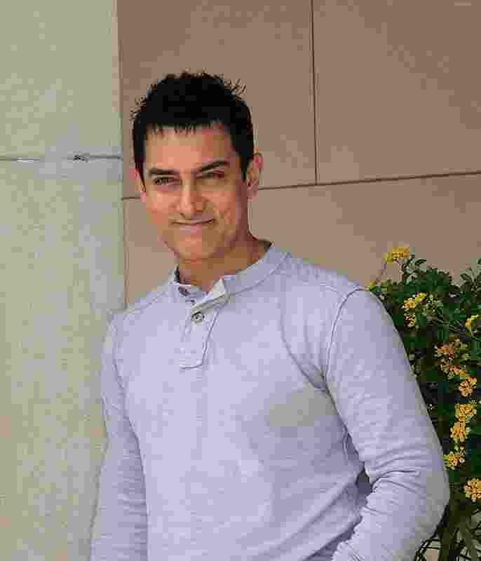 Aamir khan height,weight and net-worth