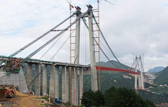 Construção da segunda ponte mais alta do mundo