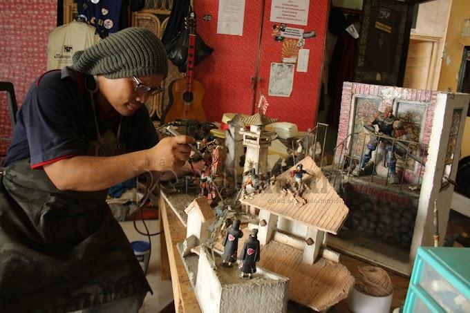 Mengemas Adegan dalam Diorama