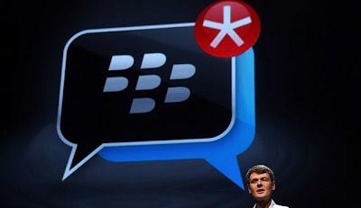 Llegó octubre y todavía no está claro el plan definitivo de BBM para Android & iOS, mientras las apps falsas siguen apareciendo La promesa de llevar BBM a iOS y Android antes que finalice el verano canadiense no se cumplió, e iniciado octubre, BlackBerry aun no pudo resolver los problemas que generaron un lanzamiento fallido en el fin de semana del 21 y 22 de septiembre. La última comunicación oficial de BlackBerry fue el pasado lunes, donde la compañía reafirmó que sigue trabajando y comprometida 100% en llevar a su mensajero móvil a otras plataformas, y mientras iOS y Android