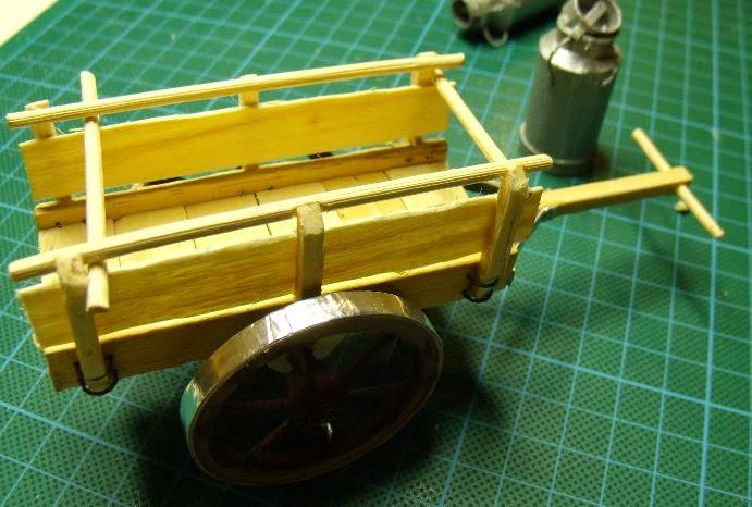 Minimanie les roues de la charette - Roue de charette decoration ...