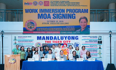 McDonald's, City of Mandaluyong inks MOA From L-R: Mandaluyong City PESO Manager Emma Javier, Chief SGOD OIC Rex Ado, Mandaluyong City Mayor Hon. Carmelita Abalos, McDonald's Philippines SVP for Human Capital Group Chona Torre, Office of the Schools Division Superintendent OIC Dr. Romela Cruz