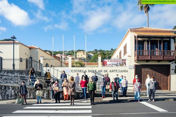 Medio centenar de personas finalizan los cursos de la Escuela Insular de Artesanía
