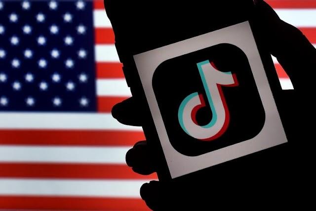 Politics : Pakistan bans TikTok over 'immoral & indecent' content