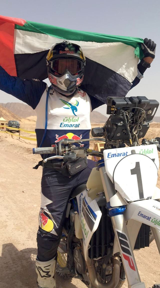 محمد البلوشي الدراج الإماراتي يفوز بلقب الدرّاجات النارية في رالي باها الأردن