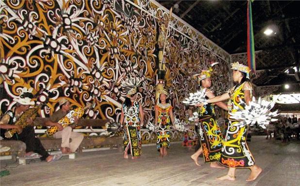 Desa Budaya Pampang Banyuwangi
