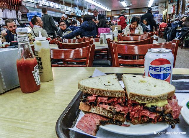 Nova York: sanduíche de pastrami da Katz's Delicatessen