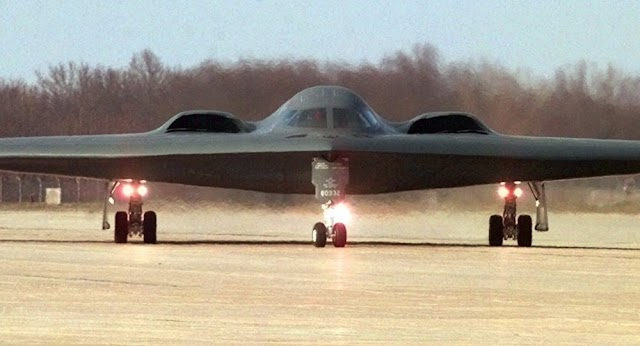 #USPolitics : US Air Force Shares B-2 Stealth Bomber Video