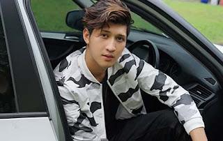 Aditya Zoni di Mobil