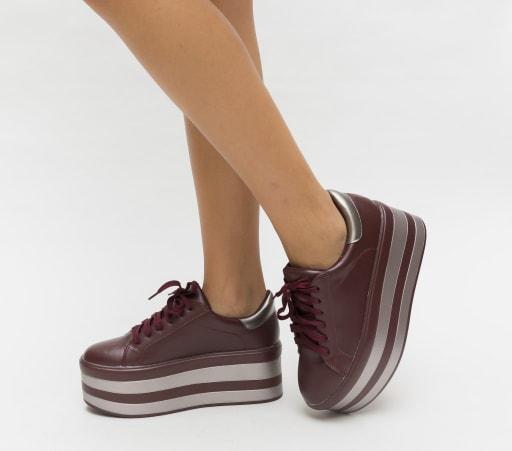 Pantofi sport cu talpa inalta mov la reducere