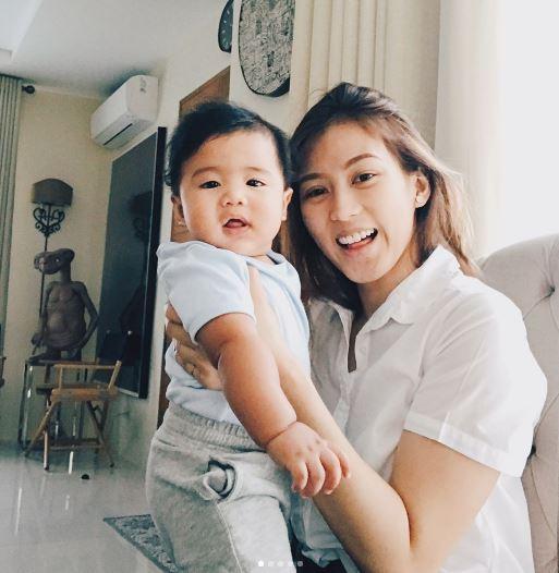 Alex Gonzaga, Biglang Nagulat Nang Gawin Ito Ni Baby Seve Sa Harap Ng Camera!