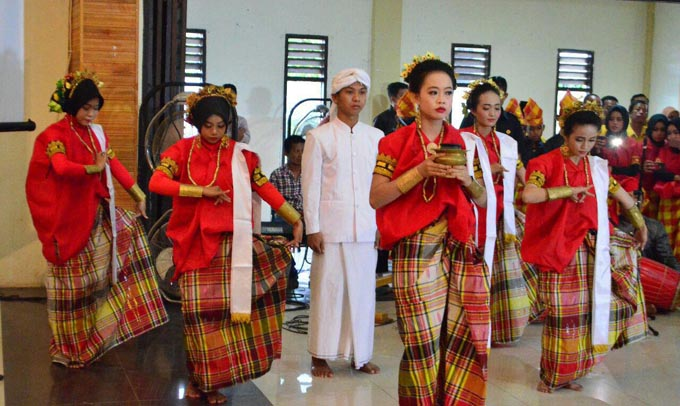 Dinas Pendidikan Soppeng Gelar Acara Pentas Seni dan Budaya Tradisional