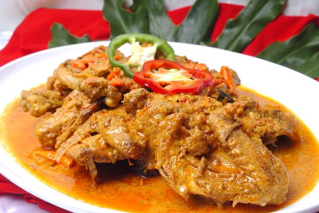 Resep Ayam Bumbu Rujak Spesial Pedas