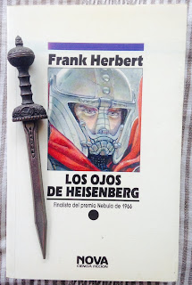 Portada del libro Los ojos de Heisenberg, de Frank Herbert