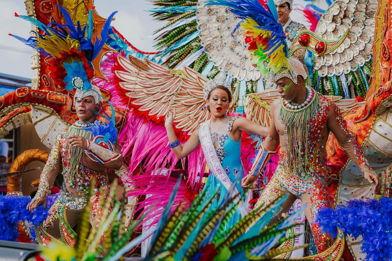 Carnaval nas ruas do centro de Aruba