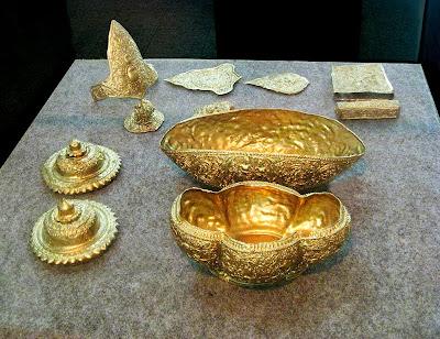 Artifak emas, warisan seni budaya kerajaan Medang.