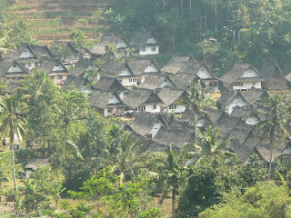 Hubungan Fungsional Antara Hukum Adat dengan Hukum Tanah Nasional