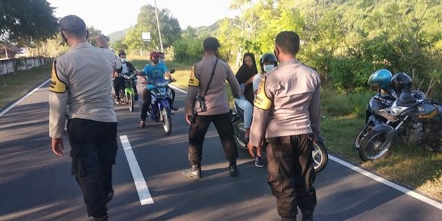 Pantau Kegiatan Ngabuburit, Polsek Sekotong Sasar Pusat Takjil Dan Antisipasi Aksi Kebut-Kebutan.