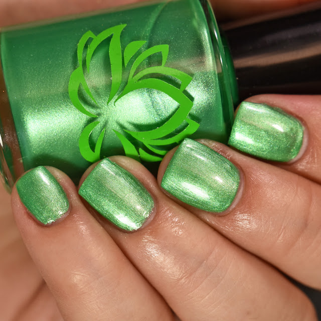 soothing-soul-nail-lacquers-lily-pad-2