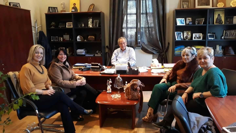 O Σύλλογος Τεχνών Γαλάτιστας στολίζει τον Πολύγυρο(φώτο)