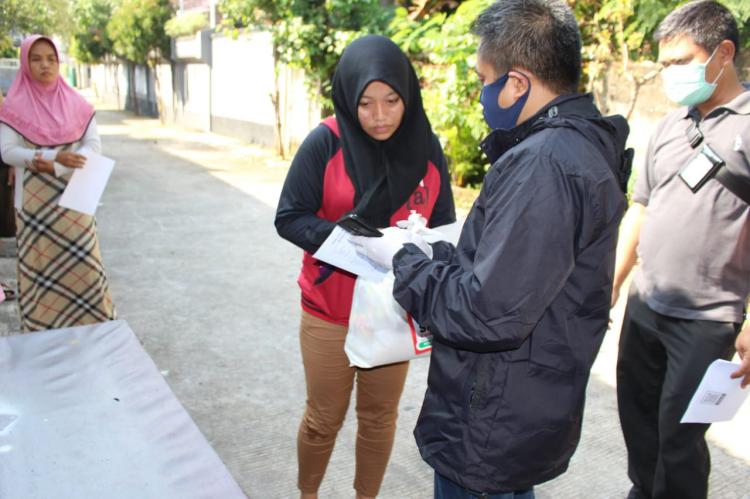 Bantuan Sembako untuk Warga Jateng di Jabodetabek Mulai Didistribusikan