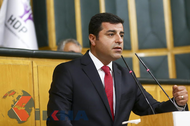 DIYARBAKIR-HDP Co-President Selahaddin Demirtaş was detained in mid-night hours under investigation by Diyarbakır Public Prosecutor, after interrogation in prosecution he was sent to the court to be arrested.