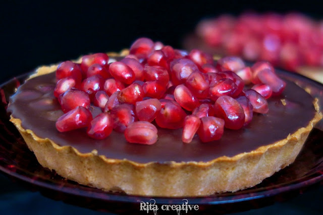 mini-tarty z czekoladą i granatem