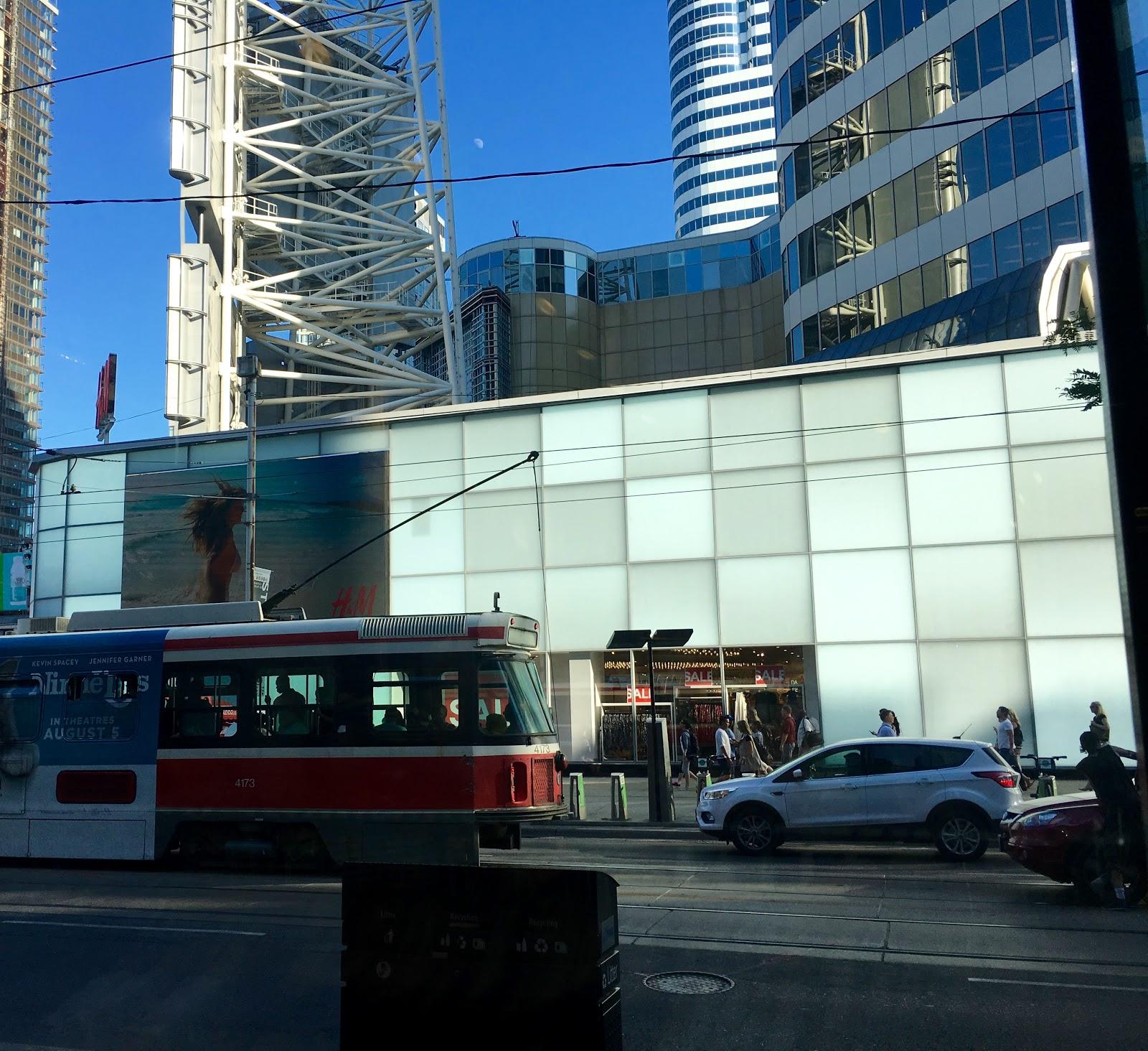 Toronto Street Car | Akinokiki