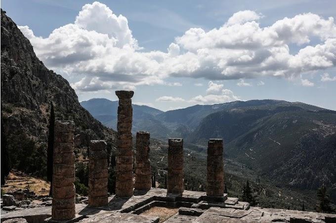 Η κατάργηση των Αρχαίων και των Λατινικών: Ποιο είναι το οικουμενικό μήνυμα των ελληνικών κειμένων;