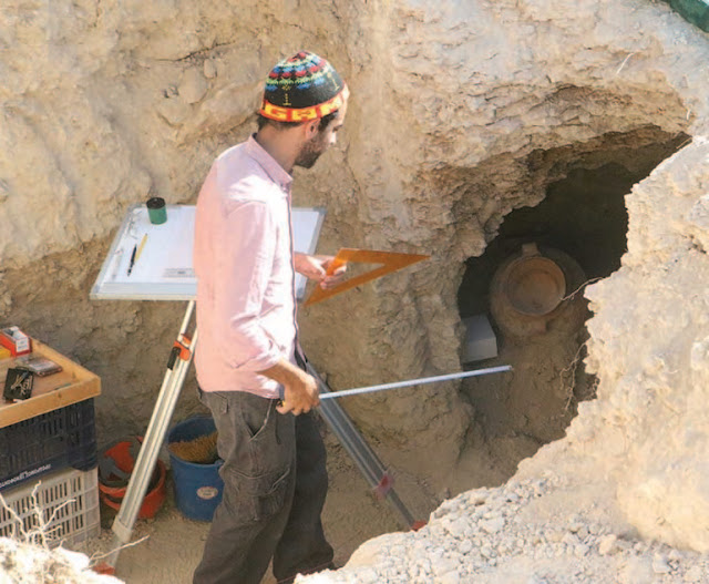 Ancient tombs discovered during Nicosia roadworks