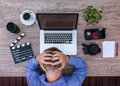 10 Kebiasaan Buruk yang Membuat Laptop Cepat Rusak Tahun 2020