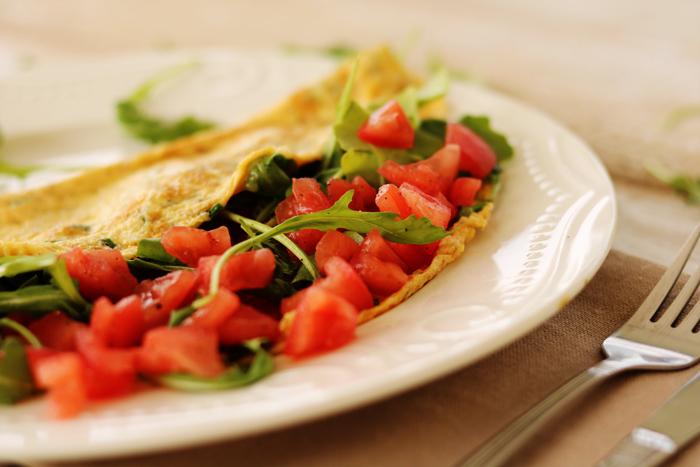 http://www.monikabregula.pl/2016/06/omlet-z-pomidorem-i-rukola.html