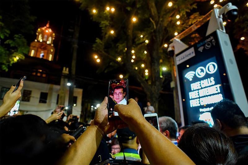 Manila Mayor Moreno launches ISKOnek FREE WiFi kiosk with up to 80 Mbps speeds
