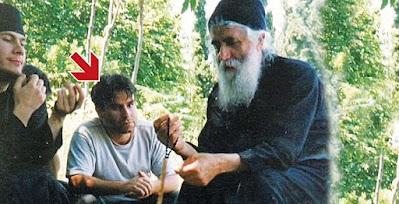 Ο Ανέστης Μαυροκέφαλος έζησε τα θαύματα του αγίου και έγινε «αρχοντάρης» και «ταχυδρόμος» του γέροντα στο κελί Παναγούδα
