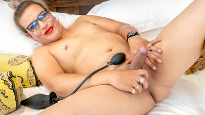 UK-tgirls – Elza Got Cum – Elza Rema