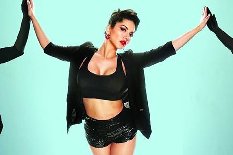 sunny-leone-hottest-boy-cut-look