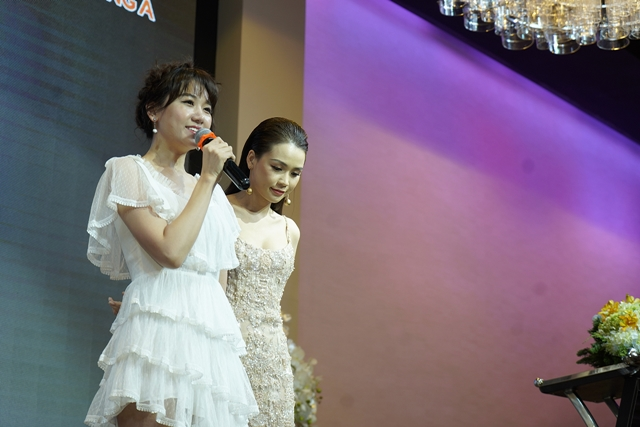 Nhận dẫn chương trình chung với Trấn Thành là áp lực của Hari Won
