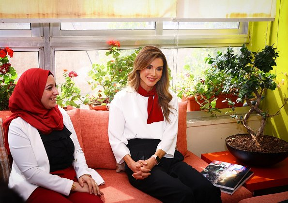 Queen Rania wore Marni colour block blouse and Queen Rania wore Dior High-Heeled Shoe In Red Suede Calfskin