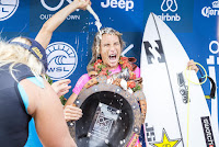 11 Tatiana Weston Webb and Courtney Conlogue Outerknown Fiji Womens Pro foto WSL Kelly Cestari