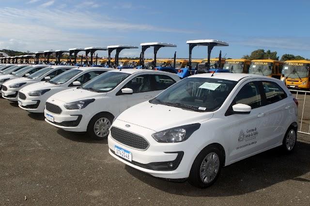 Veículos são entregues para 120 prefeituras baianas