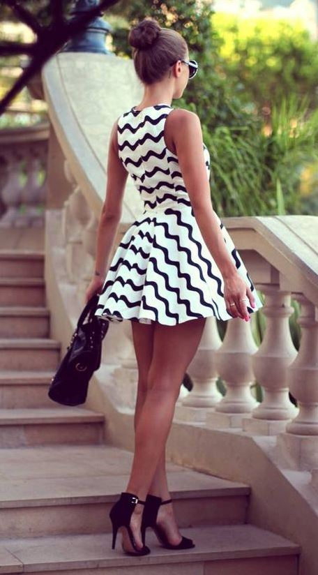 pretty cool outfit idea / black and white dress + bag + heels
