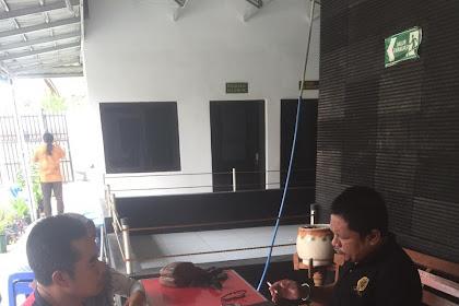 Drs Syafrial Bakri SH.,MH. Bersama Klien di Pengadilan Negeri Karawang