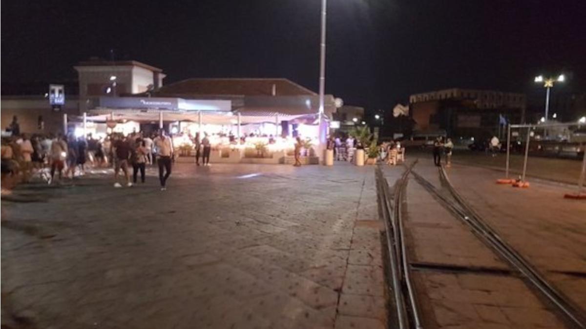 Covid mancato distanziamento Porto di Catania Polizia di Stato