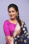 Madhu Shalini laest glam pics-thumbnail-15