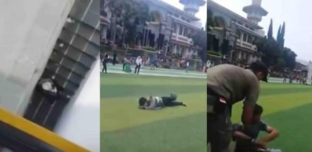 VIDEO: Mesum dan Mabuk di Depan Masjid Agung, ABG Dihukum Guling-guling di Alun-alun Cianjur