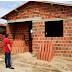 TRANSFORMANDO SONHOS EM REALIDADE: Prefeitura de Belém da início a substituição de casas de taipas por alvenaria