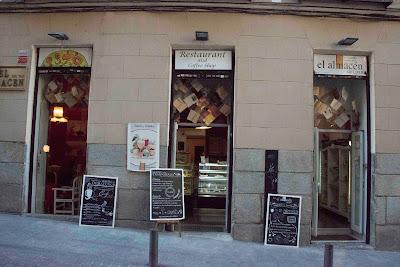 Libros, lecturas solidarias, tertulias literarias, Barrio de las Letras, Madrid