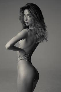 Ordinary Women Nude - Alexander%2BIzyumov-HtdQrYOS0Tg.jpg