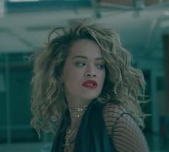 Rita Ora lança clipe de Your Song