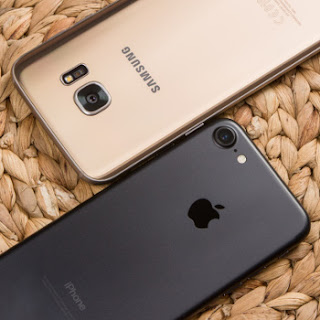 iphone7-s7edge%2B%25281%2529 Apple iPhone 7 vs Samsung Galaxy S7 Edge: Clash of the Titans Root